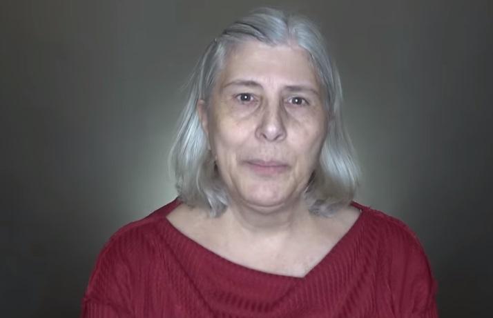Из бабушки в диву: стилист преобразил клиентку, отказавшуюся красить седые волосы